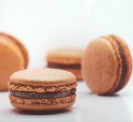 Coffee Karamel Macarons bezorgen in Den haag