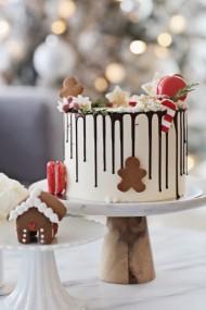 Feestelijke dripe cake bezorgen in Den Haag