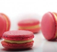 Strawberry Cheesecake Macarons bezorgen in Almere