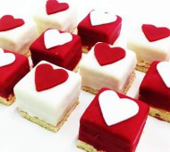 Valentijnpetitfours bezorgen in Leiden